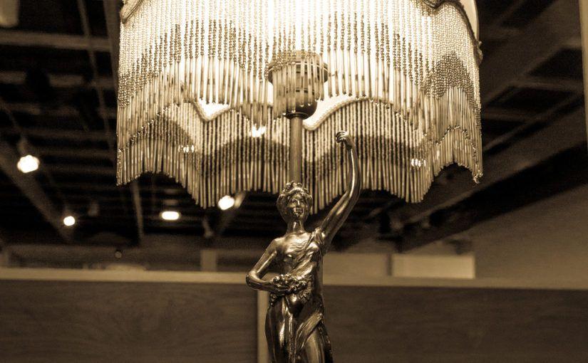 La lampe anti-conversation pénible – Labomedia / Orléans